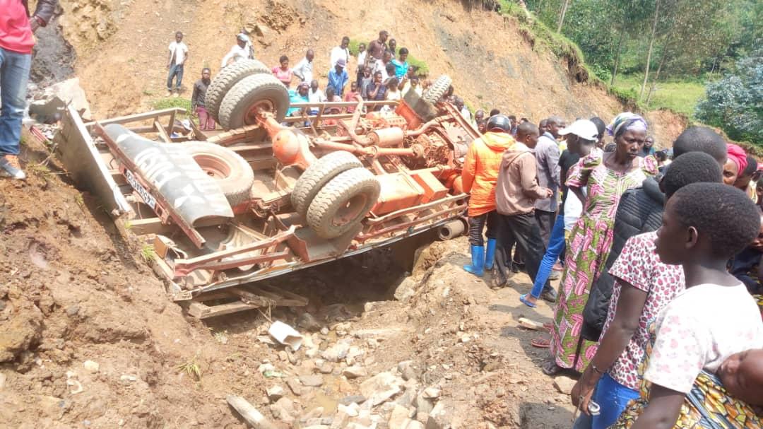 Kalehe: 3 Morts et plus de 40 blessés bilan d'un accident de circulation sur la RN2.