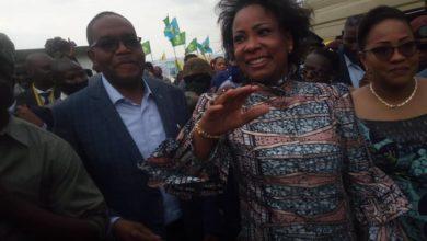 Photo of Assistance Humanitaire : Olive Lembe Kabila à Bukavu pour assister les familles des sinistes à Kamituga.