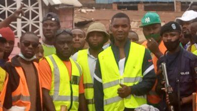 Photo of Kadutu/travaux communautaires : le bourgmestre adjoint de la commune Namegabe Mweze et la population s'engagent à redorer l'image de l'entité